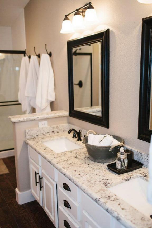 Black and White Formal Bathroom