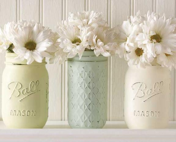 Chalk-painted Mason Jar Vases