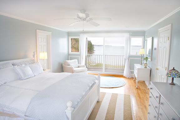 Coastal Calmness White Bedroom Decroation