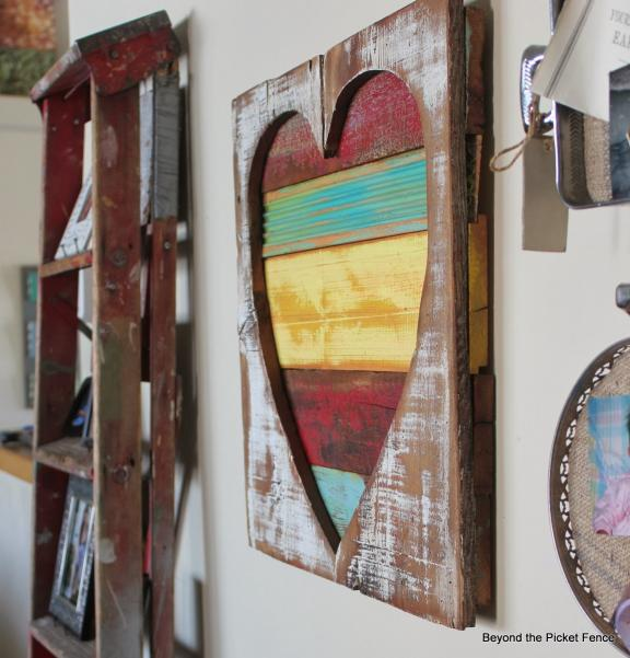 Distressed Wooden Heart Wall Hanging
