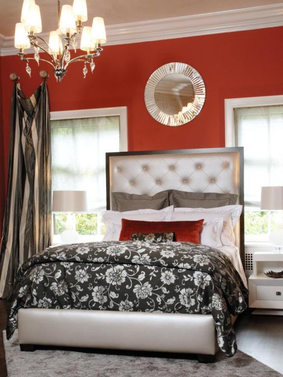 Red for Power Bedroom Decor