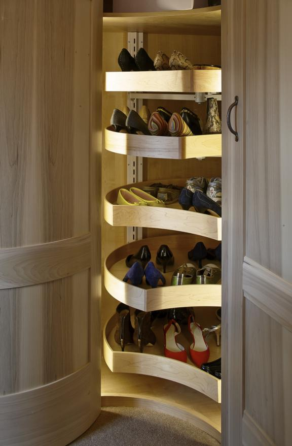 Rotating Suspended Shoe Shelves