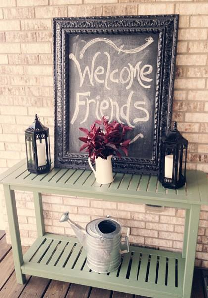 This Delightful Welcome Tableau has a Farmhouse Feel That's Elegant Too