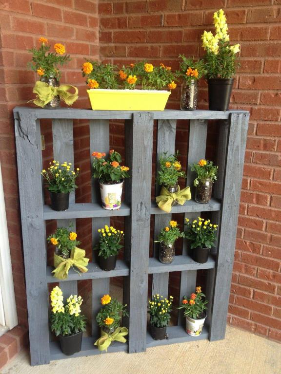 Upcycled Nature Wood Pallet Plant Shelf