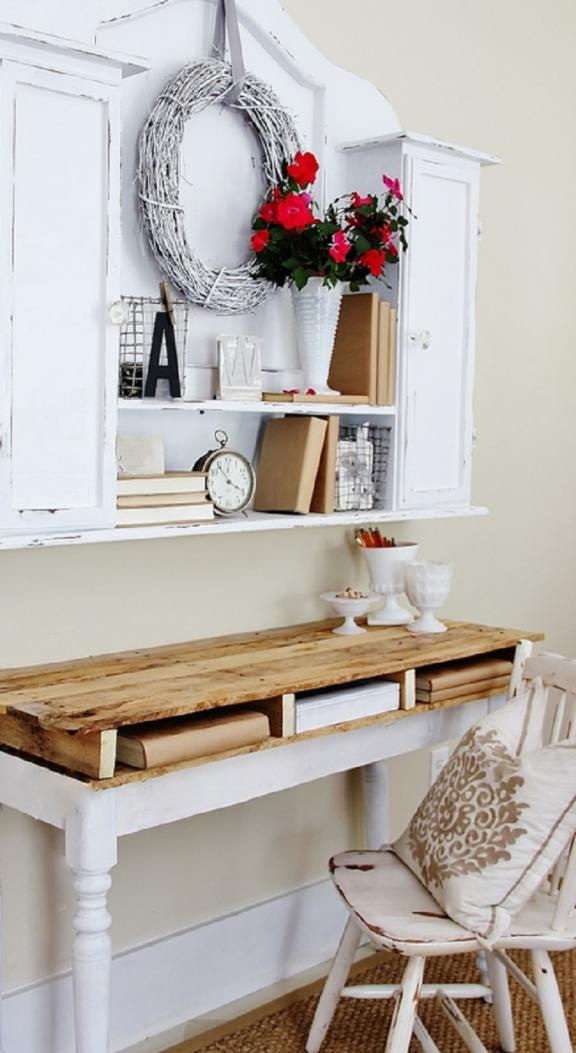 Wood Pallet Nook Table