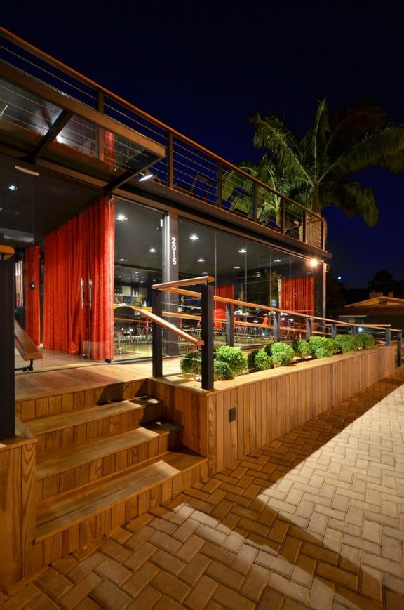 shipping-container-homes-43