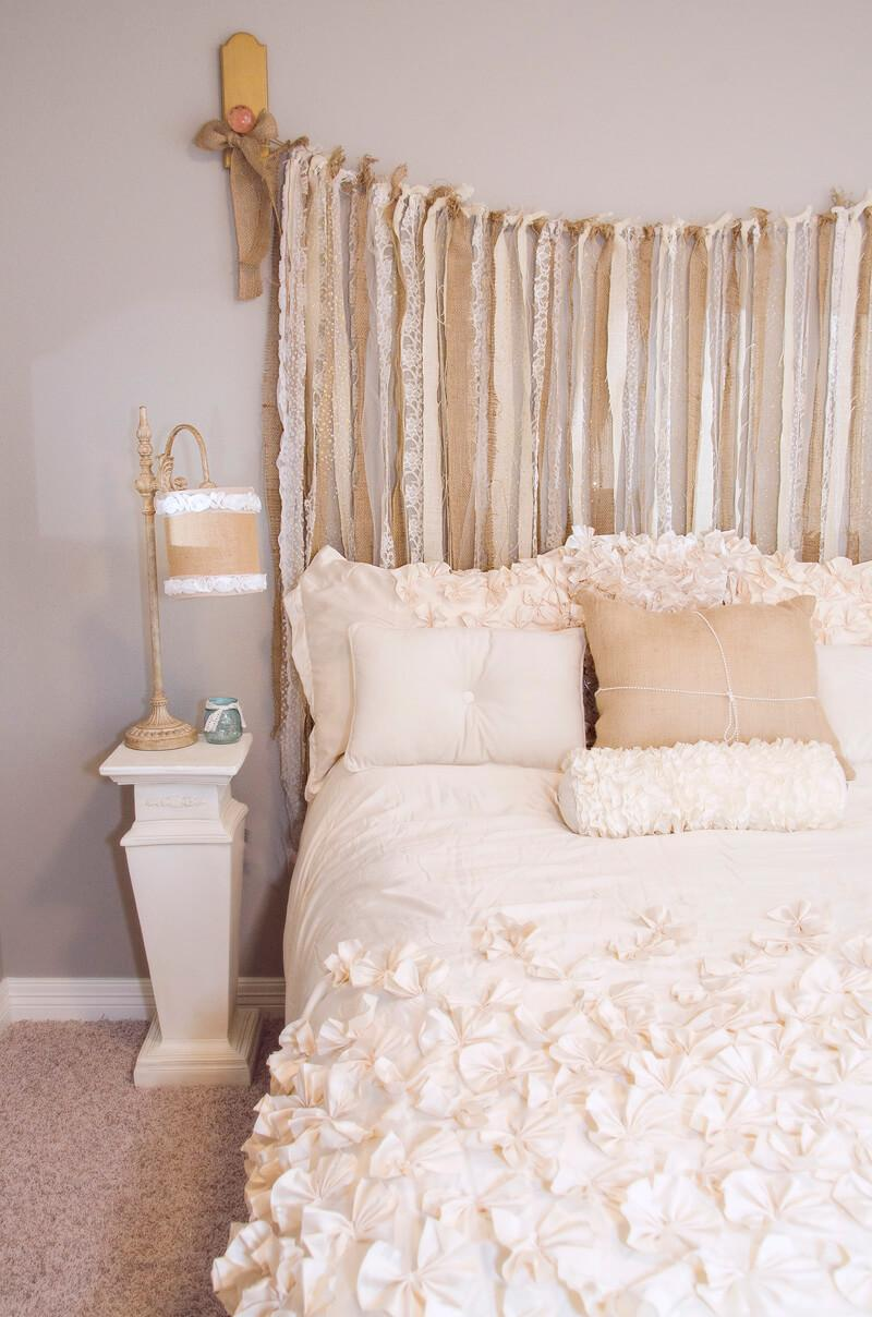 Burlap and Lace Shabby Chic Bedroom Décor