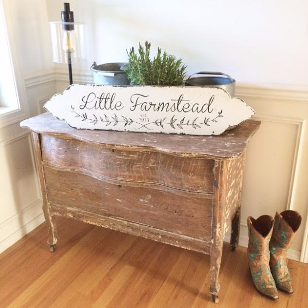 Honor Your Home with a Hand-Painted DIY Farmhouse Décor