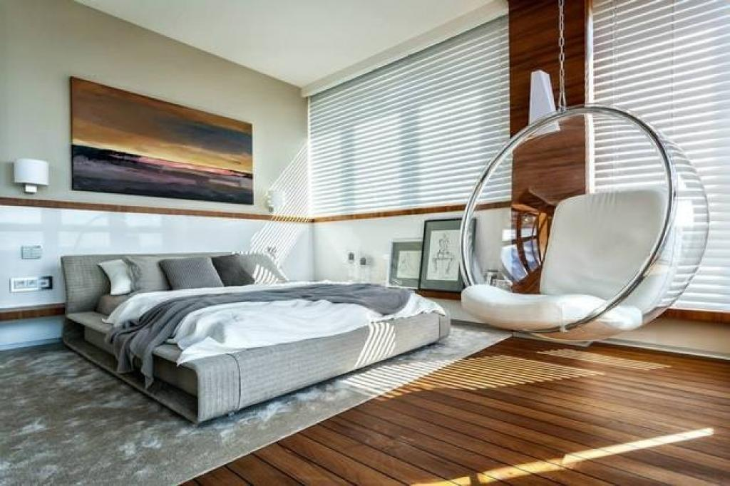 Intersecting Lines Bedroom Decor