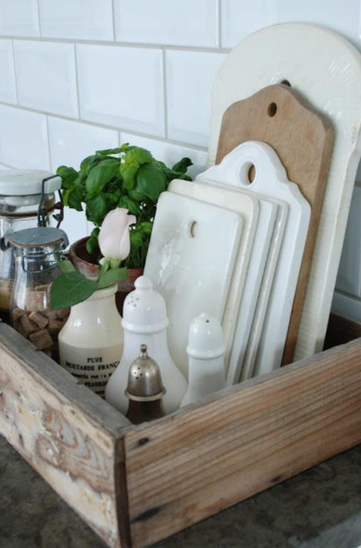 Make a Wooden Box For Cutting Boards and Other Necessities