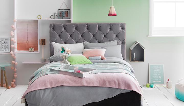 Modern Pastels Bedroom Design Image