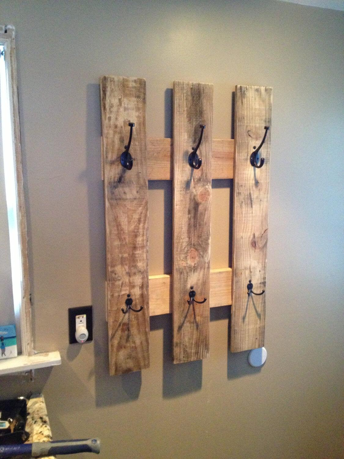 Pallet Picket Fence Style Hook Rack