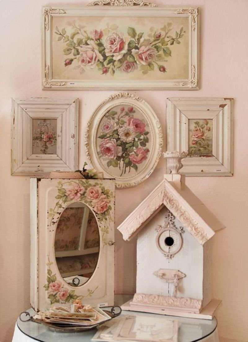 Shabby Chic Gallery Wall Decor Idea