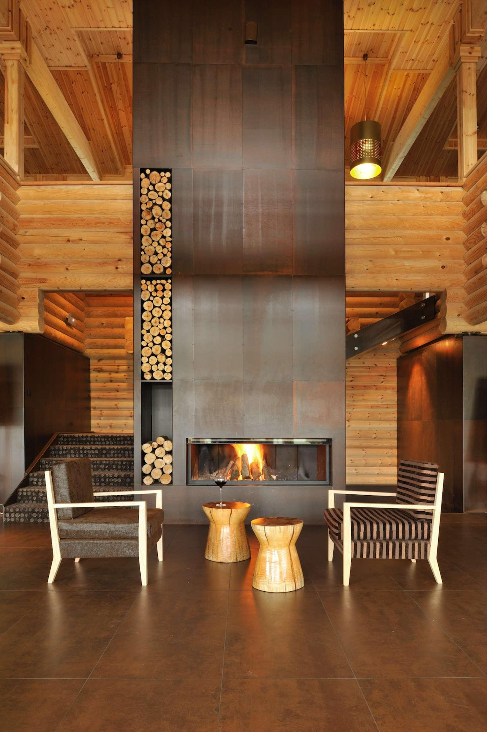 Vertical Wood Fireplace Design